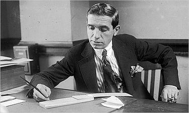 Charles Ponzi - Ponzi là gì? Tìm hiểu về mô hình Ponzi